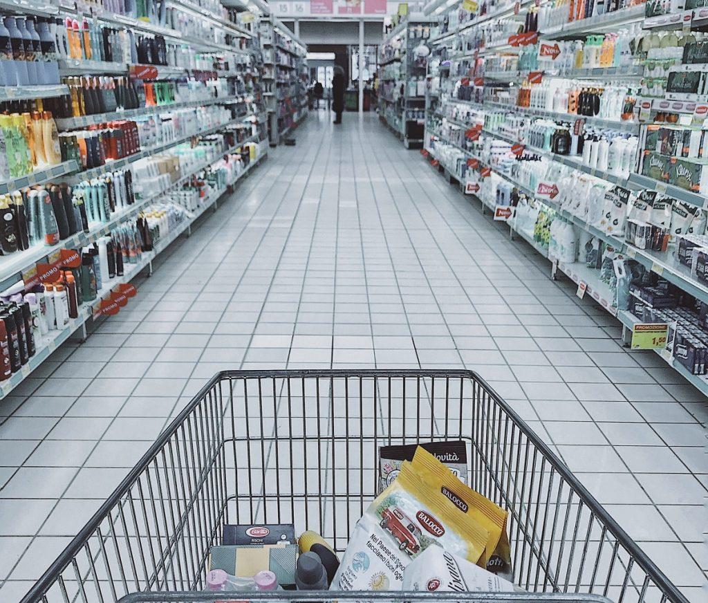 Há um site que te informa como estão as prateleiras dos supermercados