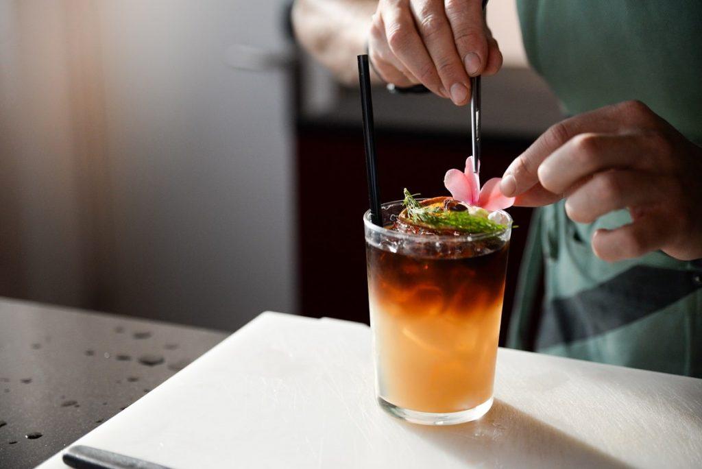 Os melhores cocktails para este fim de semana, em casa