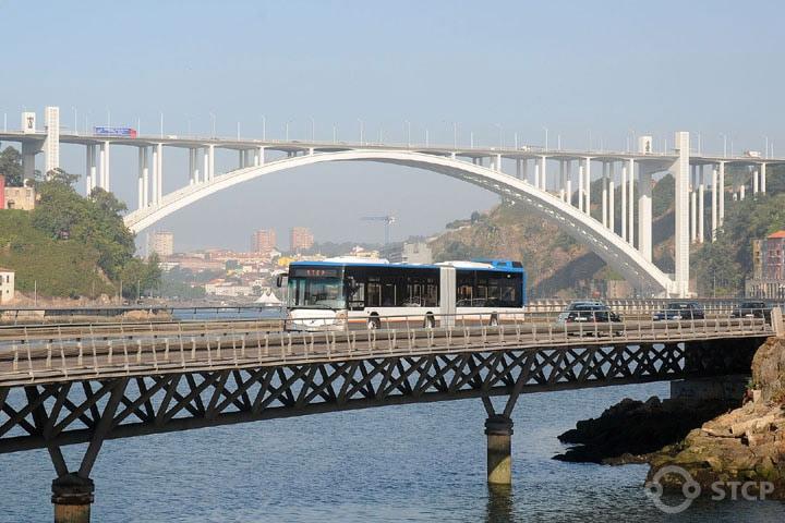 Novas regras nos transportes públicos do Porto