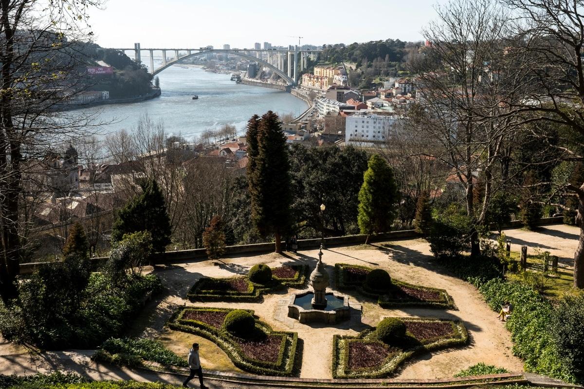 diferentes jardins do palácio de cristal