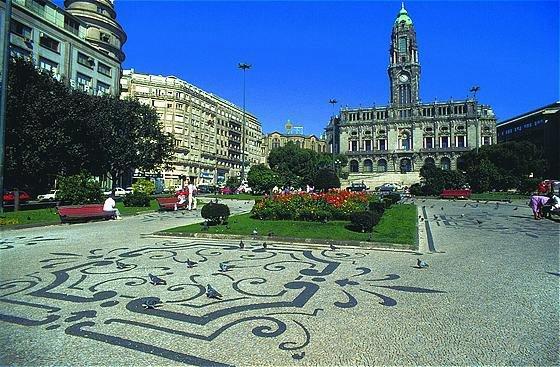 A história da calçada portuguesa e dos calceteiros no Porto