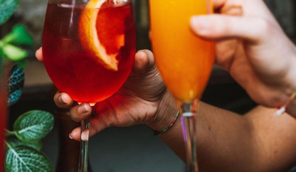 Entre cocktails, gins, vinhos, sangria ou cerveja, o difícil vai ser escolher!