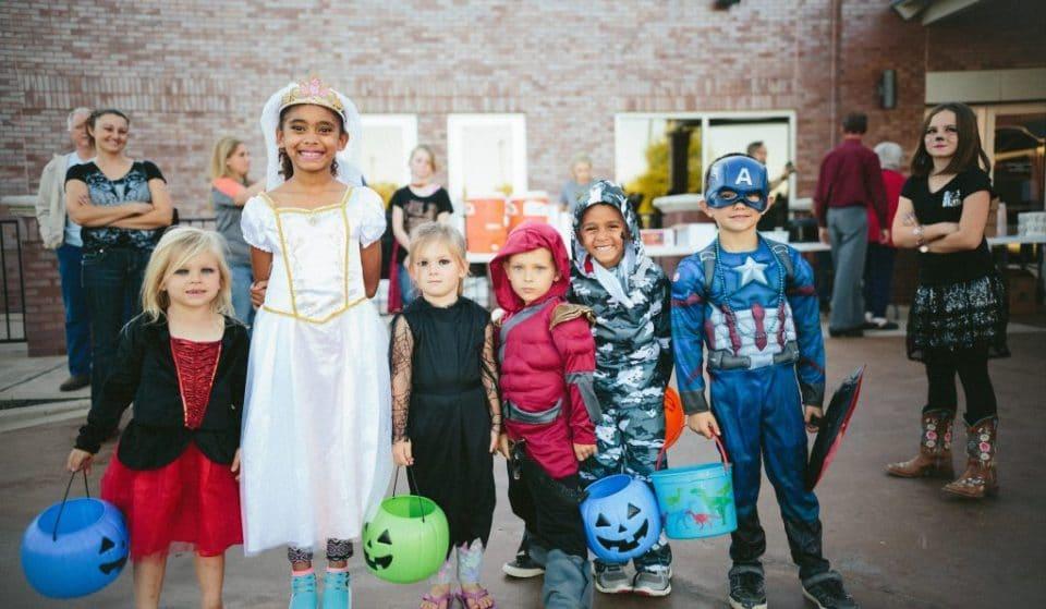 8 tradições fascinantes do Halloween à volta do mundo