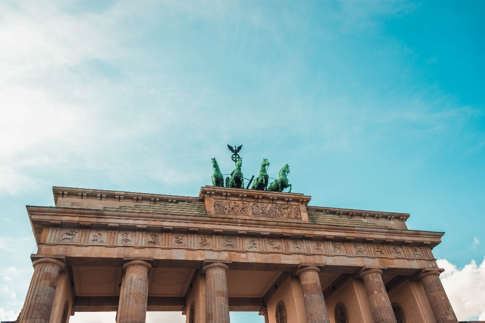 Appel d'offres : participez à l'Histoire des relations canado-allemandes en créant un Buddy Bär