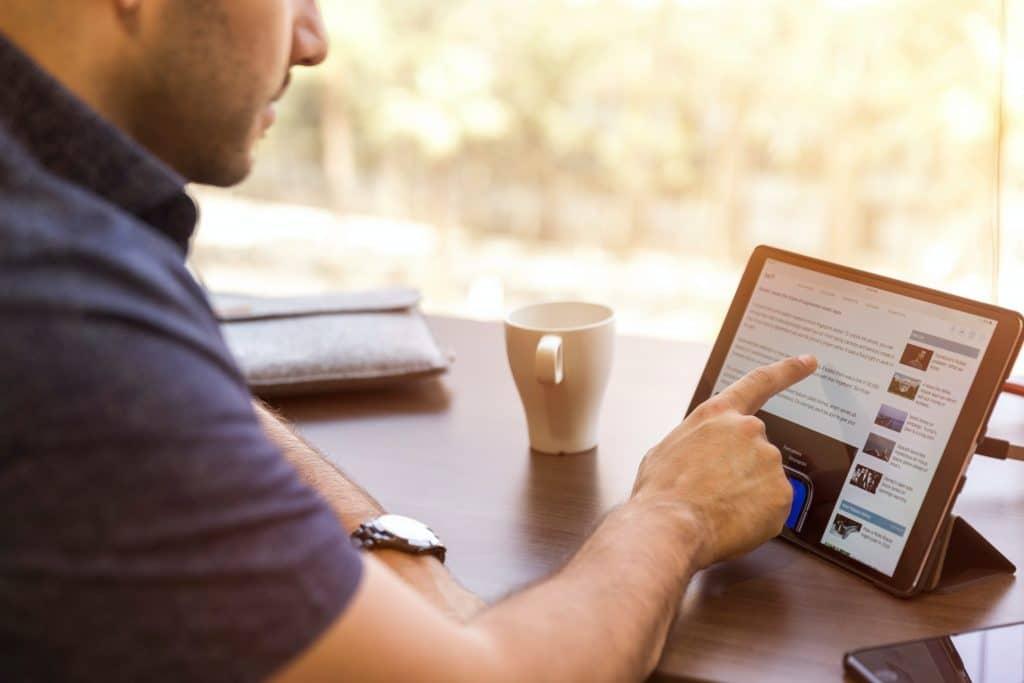 Ottawa et Québec annoncent une opération de 826 millions de dollars pour donner accès à 150 000 foyers à l'internet haute vitesse