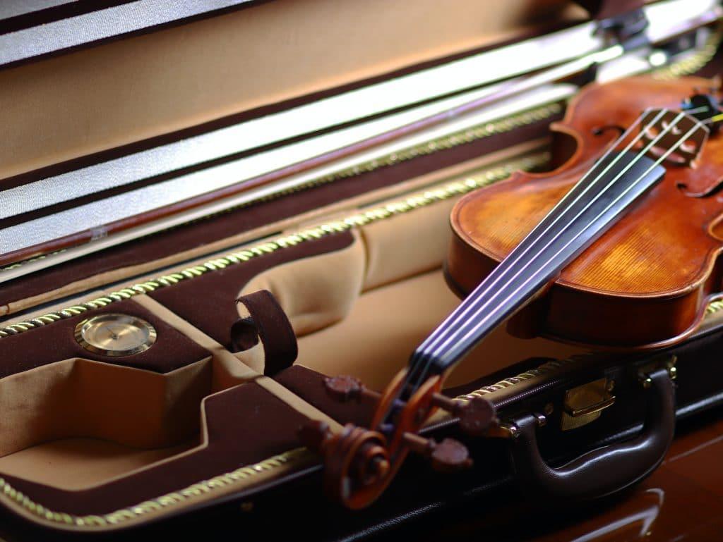 La violoniste Isabella d'Éloize Perron, Révélation Radio-Canada en musique classique, jouera au Palais Montcalm le 28 mars