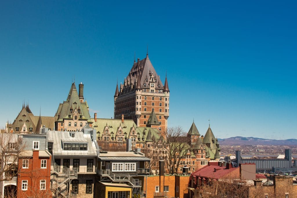 COVID-19 : les dernières mesures spéciales d'urgence prennent fin à Québec