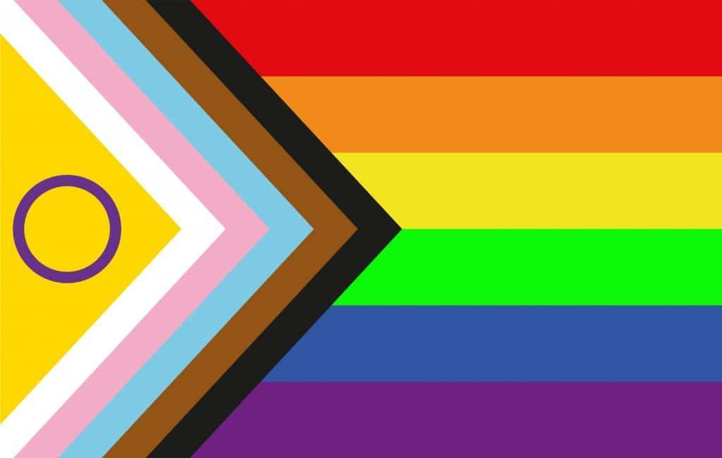 Fierté : le drapeau de la Fierté est repensé pour inclure les personnes intersexes