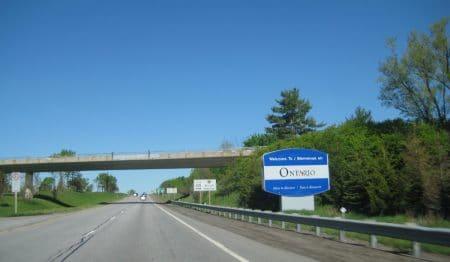 COVID-19 : la frontière entre le Québec et l'Ontario rouvrira demain