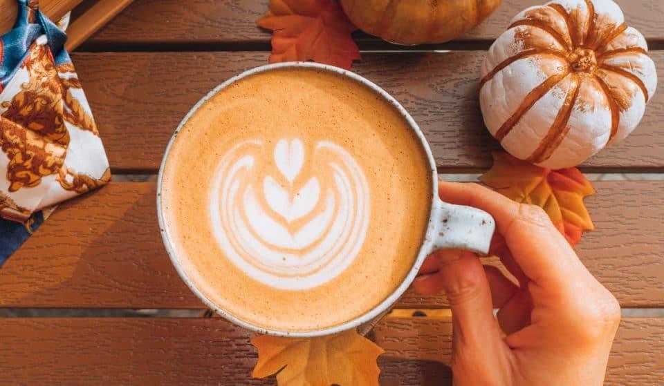 Starbucks Canada a annoncé le retour du fameux latte à la citrouille épicée
