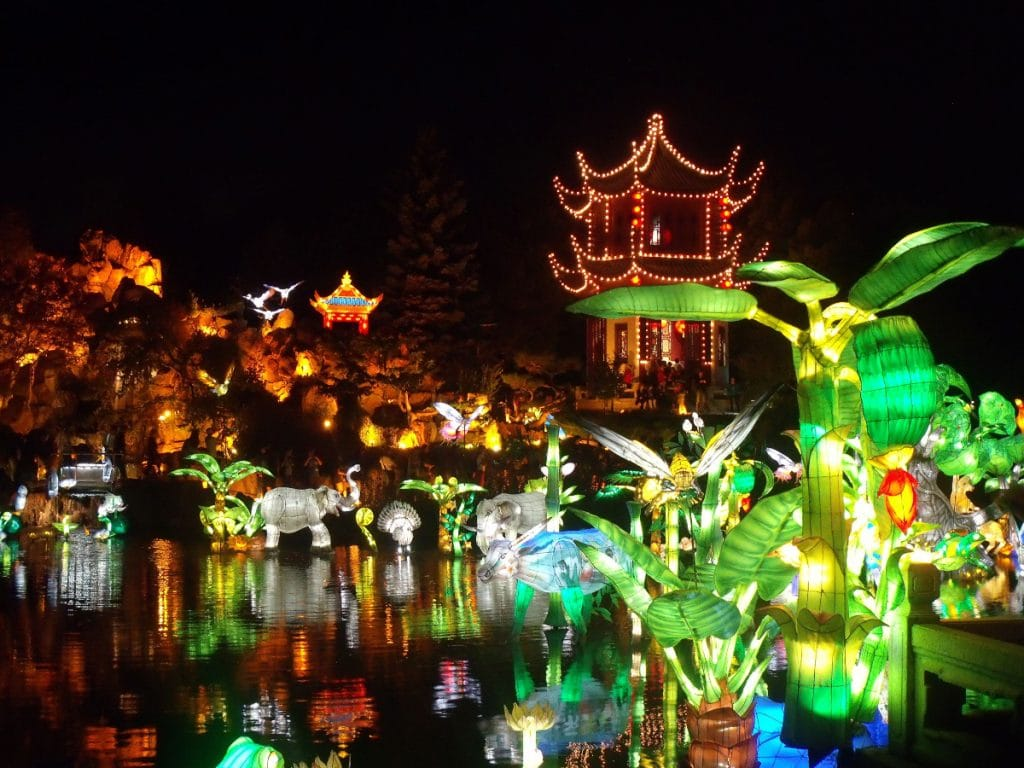 Les lanternes reviennent au Jardin botanique de Montréal!