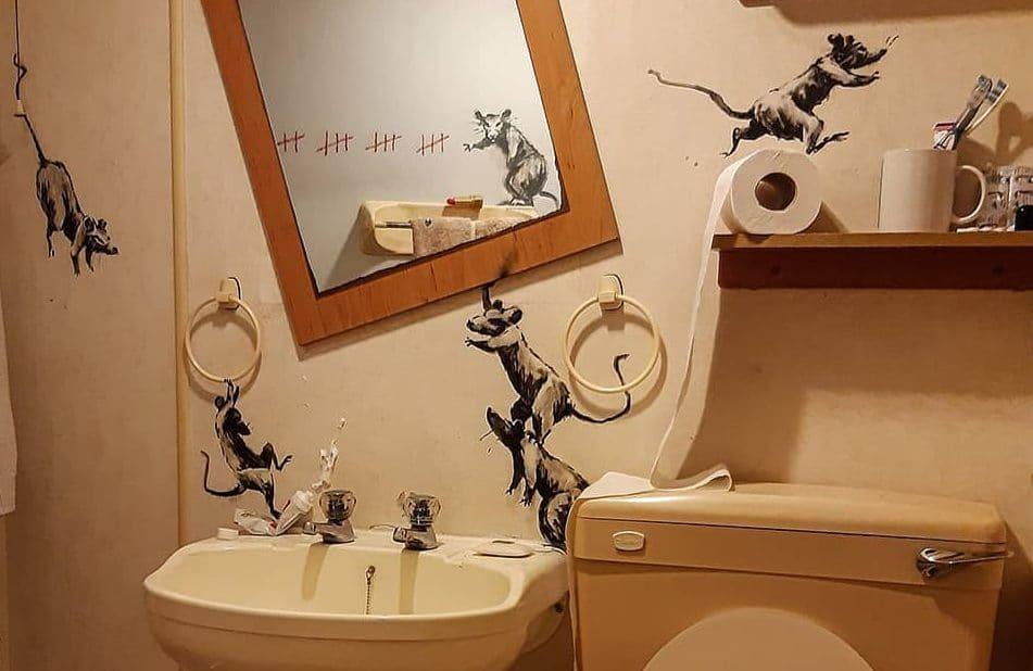 A quarentena pela arte de Banksy: a revolta no banheiro