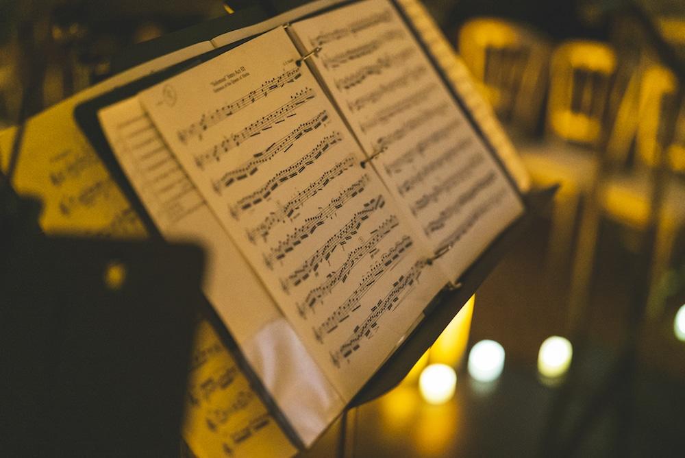 Um lindo concerto à luz de velas será transmitido ao vivo para sua casa neste fim de semana