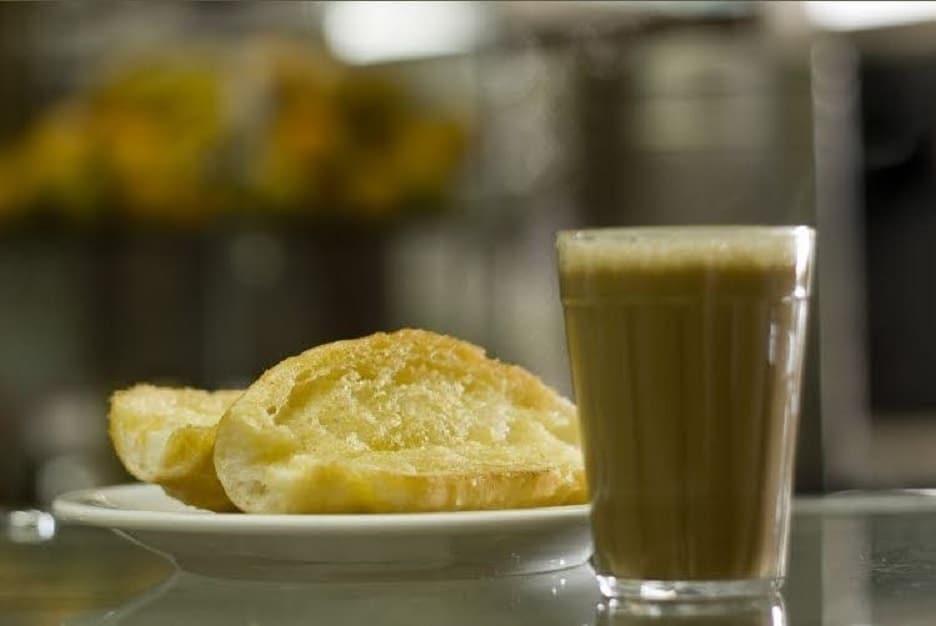 pão na chapa e pingado tradição paulista