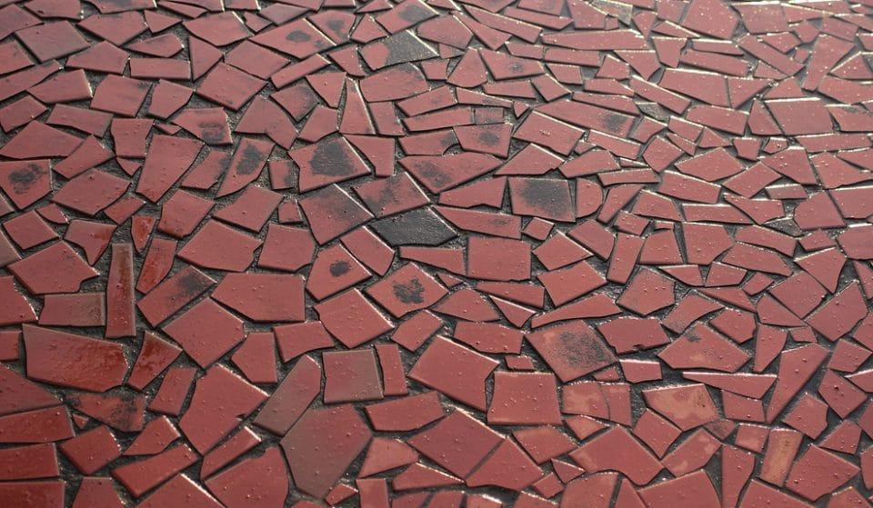 Conheça a história do piso de caquinhos paulista