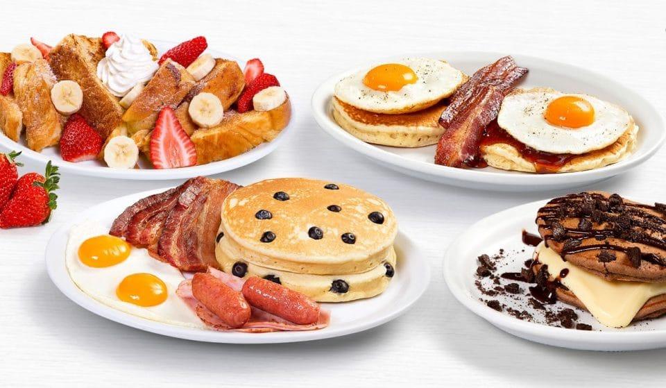 Tome um café da manhã tipicamente americano no Achapa