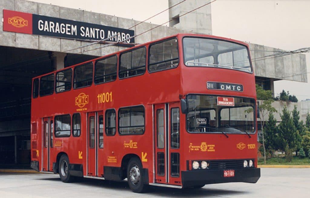 Fofão ônibus dois andares