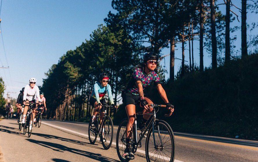 Conheça o coletivo feminino de ciclistas Vespas Bike Gang