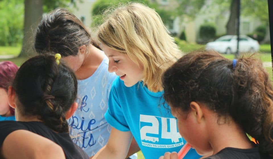 """No Dia da Caridade, conheça 6 ONGs em São Paulo para """"fazer o bem sem olhar a quem"""""""