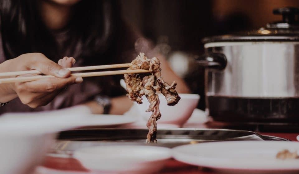 É churrasco e é japonês! Saiba onde comer yakiniku em São Paulo