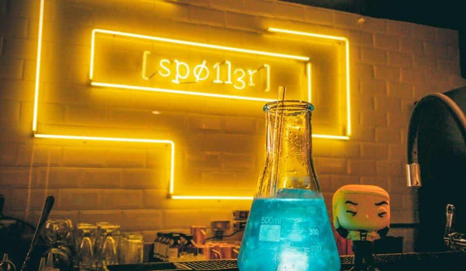 Spoiler: bar temático em Pinheiros homenageia séries de TV