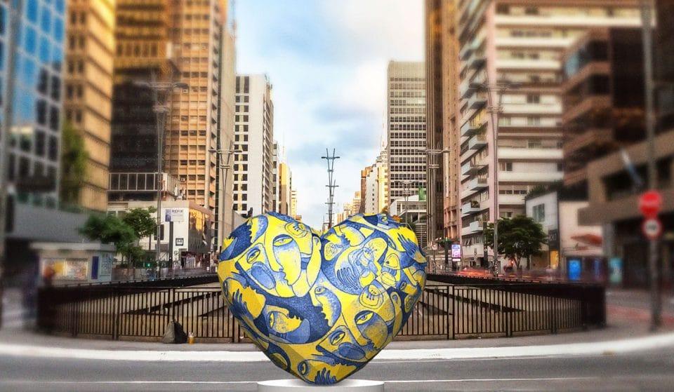 São Paulo cheia de corações em exposição 'Art of Love'