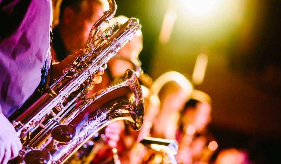 8 bares e restaurantes para ouvir jazz ao vivo em SP
