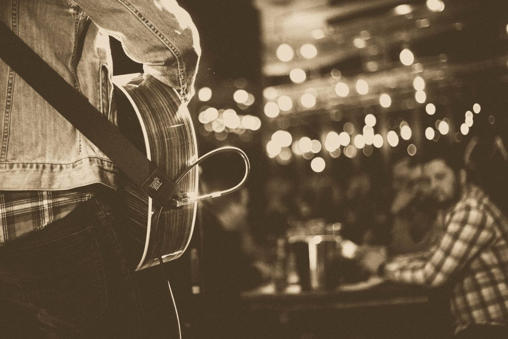 bares com música ao vivo sp