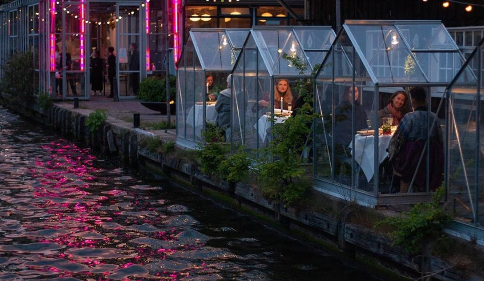 This Amsterdam Restaurant Made Little Greenhouses So Diners Can Enjoy A Meal While Social Distancing