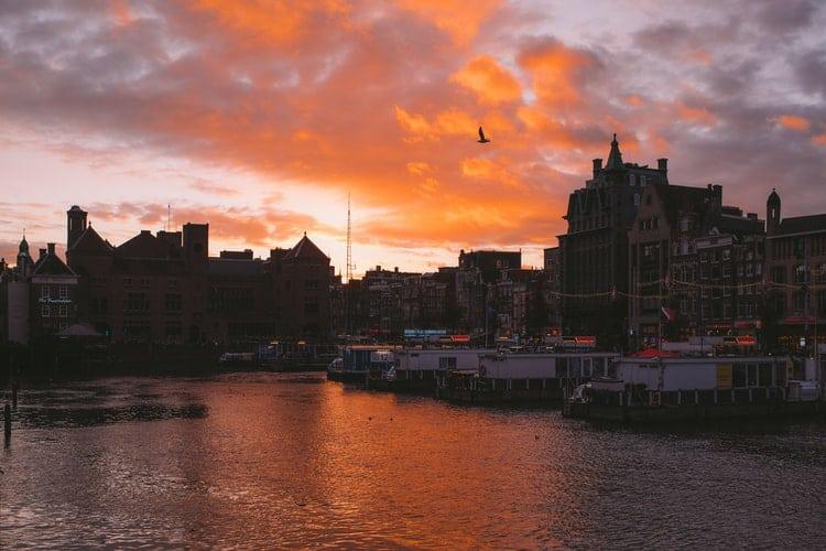 10 Beautiful Photos of Sunset Over Amsterdam
