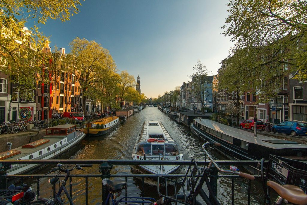 Dig Out The Sunscreen This Weekend As Spring Arrives Again In Amsterdam