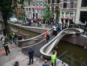 You Can Now Cross The World's First 3D Printed Steel Bridge In Amsterdam
