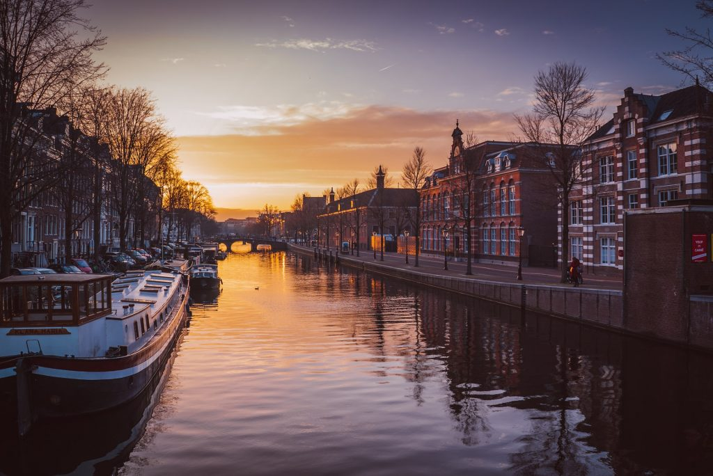 Tonight Will Be Amsterdam's Last 7pm Sunset Until March 2022