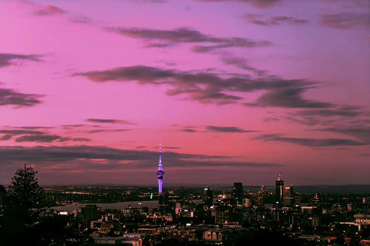 8 Of The Very Best Romantic Places To Kiss In Auckland