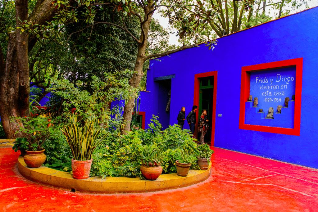 'Frida Kahlo Oasis' Multisensory Exhibit Is Now Open At This Tropical Texas Botanical Garden