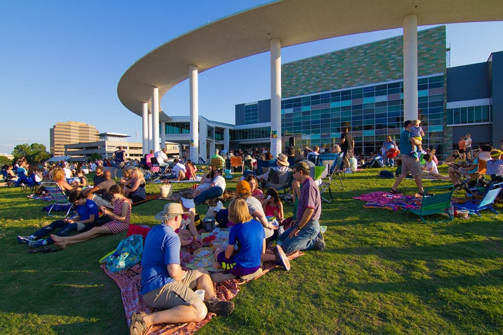 Long Center Will Host Free Outdoor Concerts Every Thursday This Summer