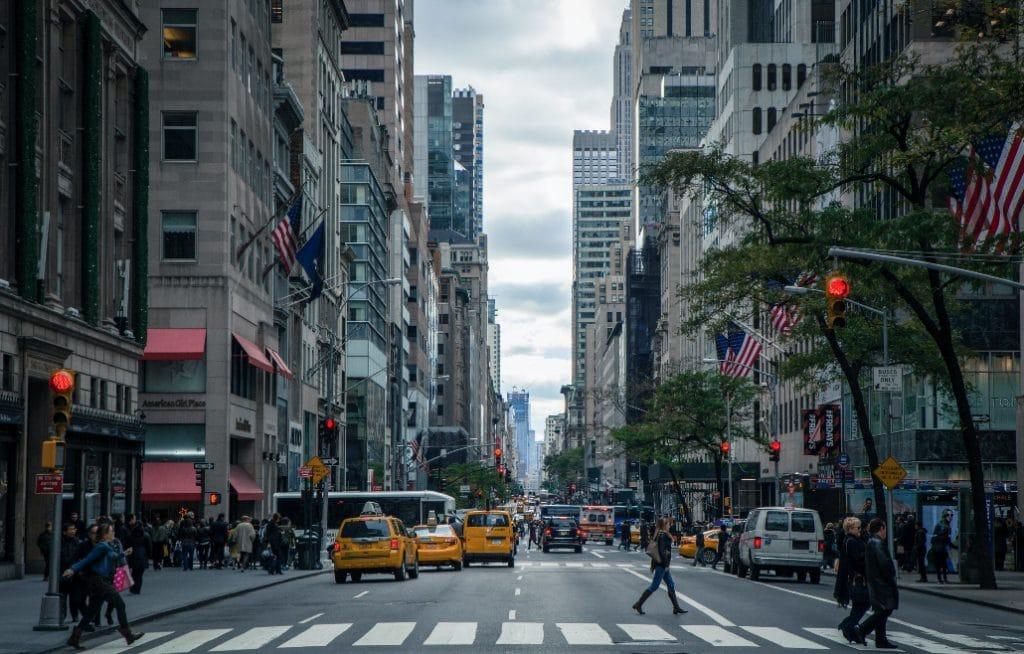 Drive & Listen: Erlebe eine Taxifahrt durch die beliebtesten Städte der Welt