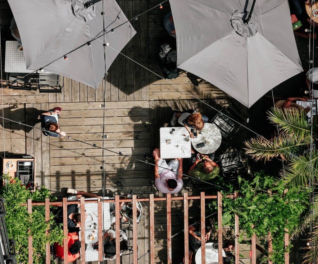 5 Restaurants mit Terrasse, in denen ihr draußen schön sitzen könnt