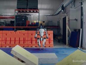 Parkour: Zwei Roboter zeigen, wie man's macht