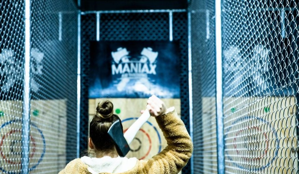 Hurl Hatchets And Down Beer At This Axe-Throwing Venue In Newstead · Maniax
