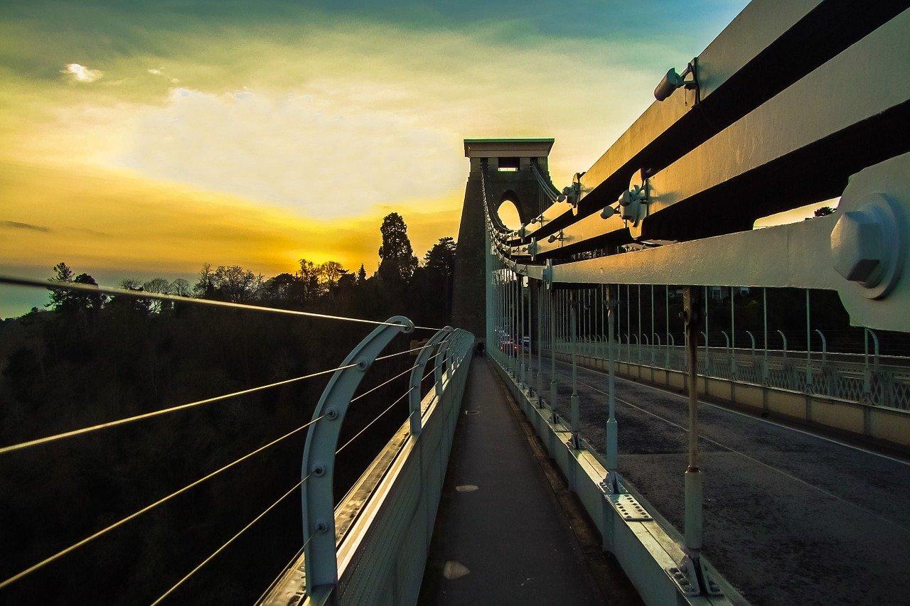 bristol-empty-suspension-bridge