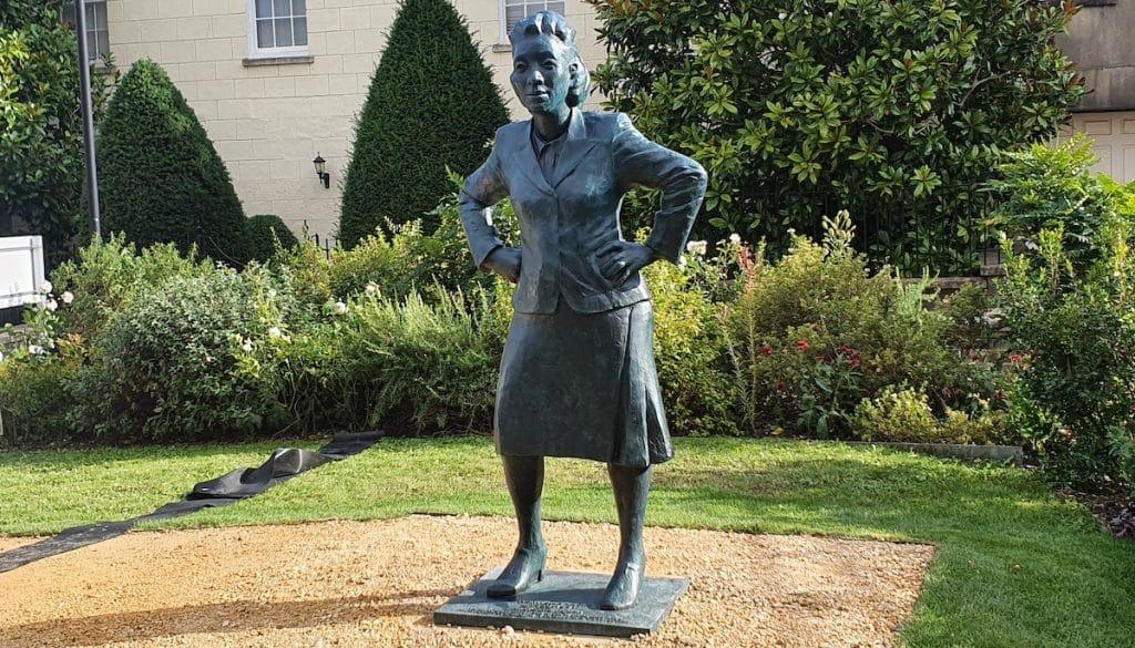 first-black-woman-statue-henrietta-lacks