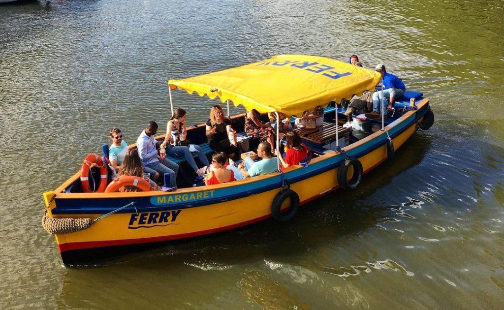 bristol-ferry-gin-cruise