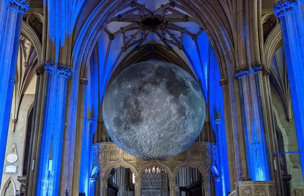 luke-jerram-museum-of-the-moon
