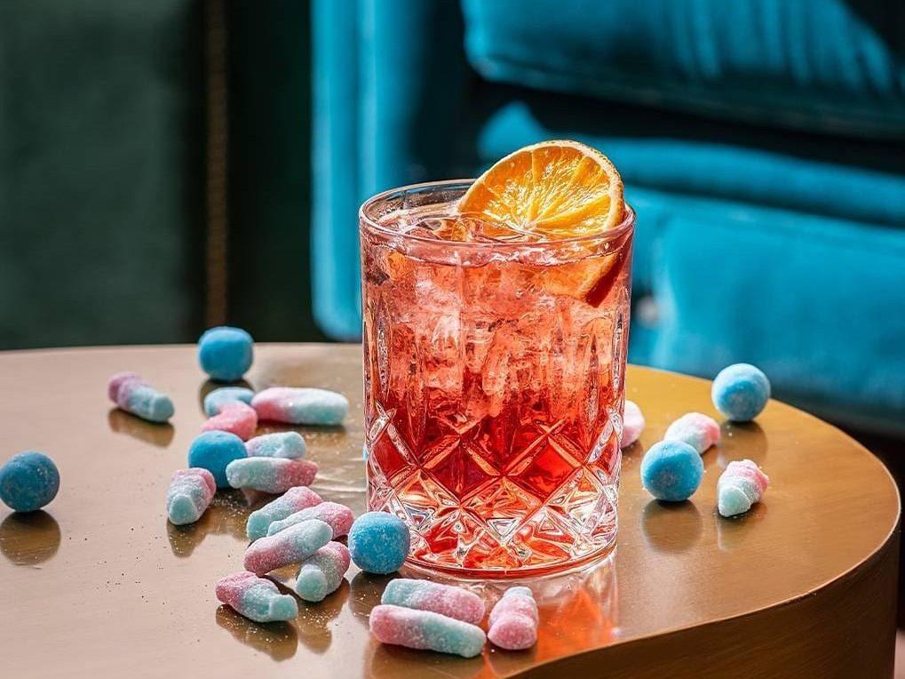 gold-bar-bristol-harbour-hotel-cocktail-sweets