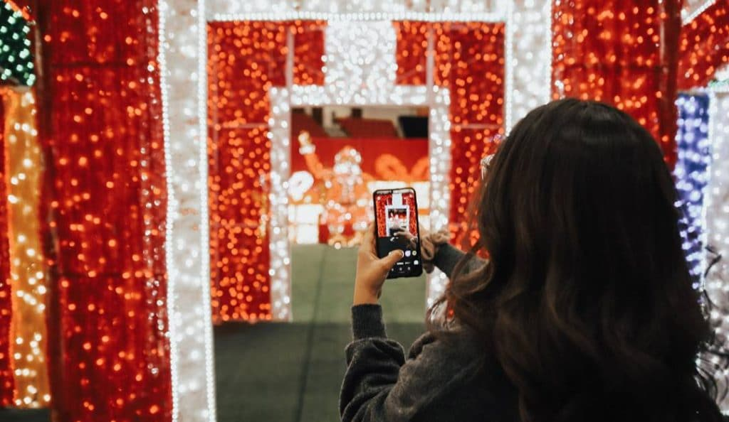 Canada's Largest Indoor Light Park & Christmas Market Is Returning To Calgary For The Holidays