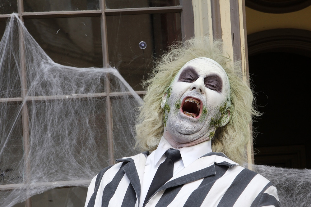An Interactive 'Beetlejuice'-Themed Bar Is Popping Up In South Loop This Week