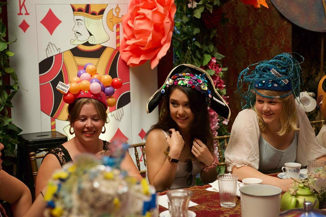 The Alice In Wonderland Themed Gin Tea Party Is Coming To Chicago In September Secret Chicago