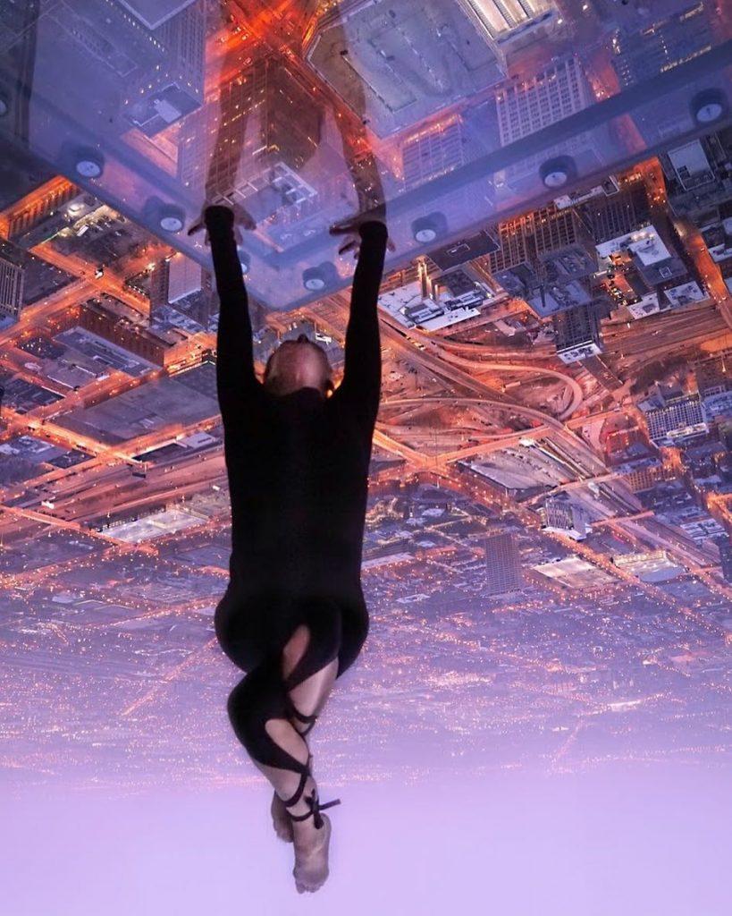 Chicago glass floor handstand