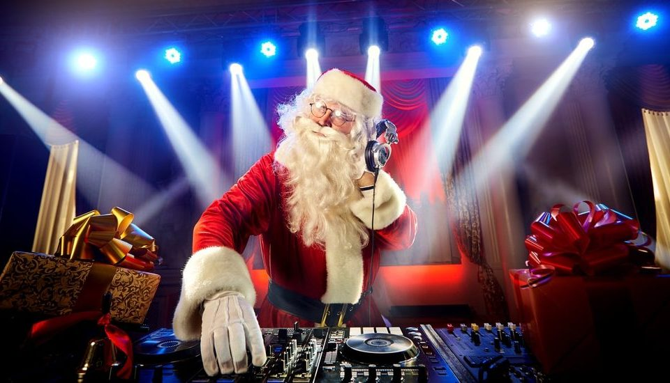 Be Merry At This Festive Silent Party In Logan Square • Silent Night